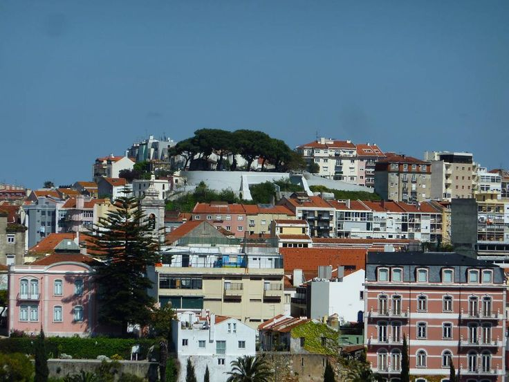 Lisbon is one of my favorite cities. I love a good view and I love sitting and thinking deeply. Lisbon is ideal for these activities. Most of the #miradouros have a simple restaurant so you can get an espresso beer or wine as well as snacks. Grab a spot in the shade and enjoy life.  #Lisbon #Portugal #lisboa #lisbonportugal #lisbonlovers #lisbonscenes #traveleurope #europe #europeanvacation #europetravels #travelblog #travelpics #travelphotos