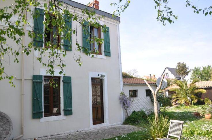 Louez cette propriété de 1 chambres pour 390€ par semaine ! Afficher les photos, les avis et les disponibilités à Les muguets.