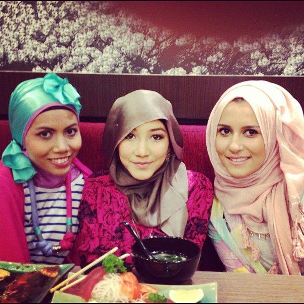 With @hana_tajima @hntaj & @dinatokio during sushi lunch earlier today #hanatajima #dinatokio #sisterhoodbydp #jakarta #friendship #love #hijab #amischaheera (Taken with Instagram at fX lifestyle...