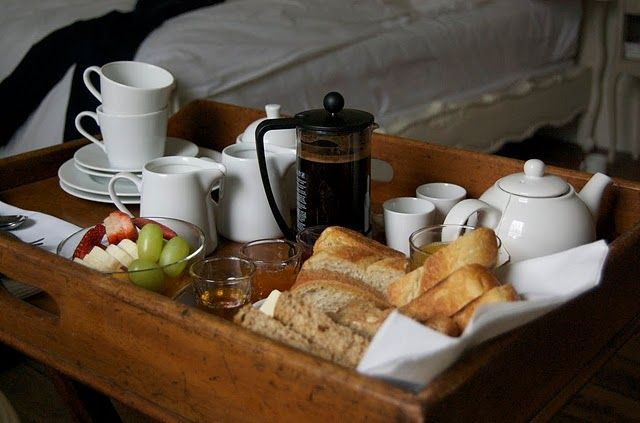 breakfast in bed. breakfast trays. - use old drawers... On an old trolley maybe