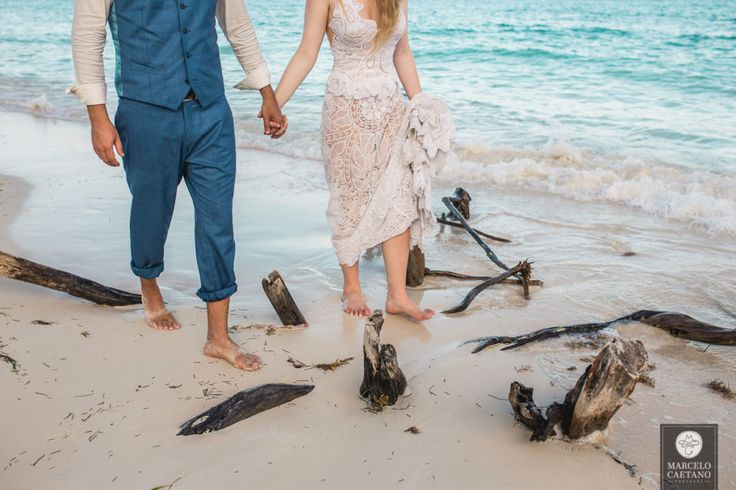 Trash the dress   Ensaio de casal   Ensaio na praia   Casamento na praia   Fotografia de casamento