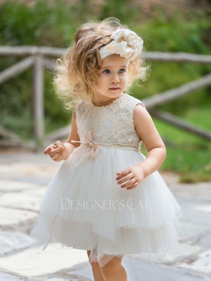 des.MAYA Βαπτιστικό φόρεμα με δαντελένιο μπούστο και τούλινη φούστα, διακοσμημένο με μεταξωτή ζώνη και πέρλες.  #baptismclothes #βαπτιστικά  #christeningclothes #vaptisi #βάπτιση #alexandraplati #luxurybabydress #kidscollection #vaptistika #βαπτισηκοριτσιού #designerscat http://www.catinthehat.gr/gia-koritsi/summer-collection-koritsia/maya-1740727541.html