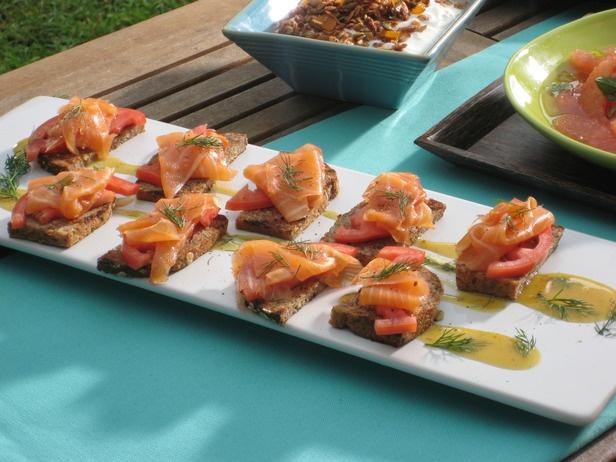 Smoked Salmon toasts