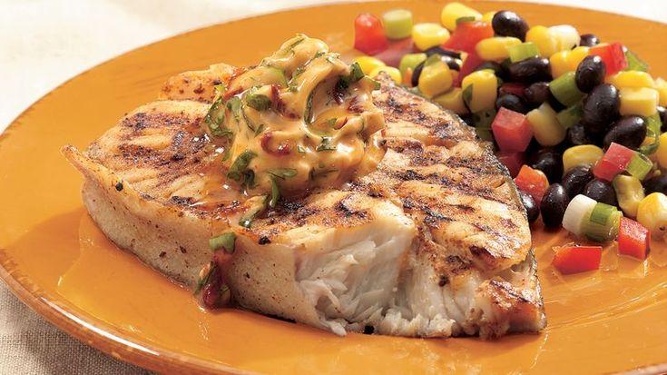 Enciende la parrilla y puedes tener en la mesa este platillo principal de pescado en 30 minutos.