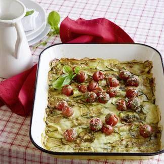 Einfach, schnell, beliebt. Hackfleisch mit Knoblauch, Tomatenpüree und Bratensa…