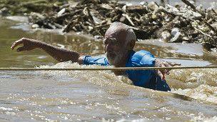 """MEXICO (J., 19 SEP 2013)       - """"El día que Acapulco quedó bajo el agua"""" (Noticias de las mejores fuentes:  BBC Mundo)."""