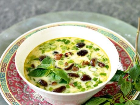 Green curry thai soup with shiitake mushrooms