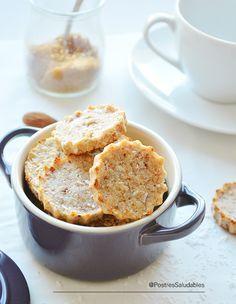 Galletas de Coco y Almendra saludables que pueden preparar en menos de 10 min. Ingredientes ½ Taza de almendras molidas o harina de almendras. ½ Taza de coco rallado deshidratado (sin azúcar añadido) 6 dátiles sin hueso 1 cdita de agua.