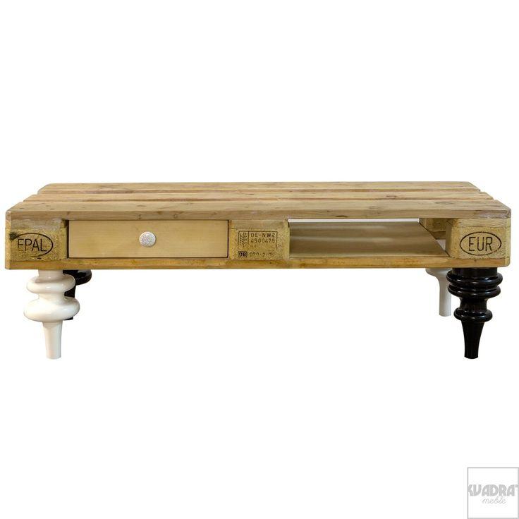 Made in Poland, polski design, dizajn, meble z palet, drewniane palety, stolik do kawy, meble do salonu. Zobacz więcej na: https://www.homify.pl/katalogi-inspiracji/18878/6-mebli-z-drewnianych-palet-ktore-mozesz-stworzyc-juz-dzis
