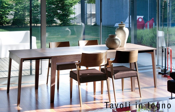 DOMITALIA - wooden table with chairs
