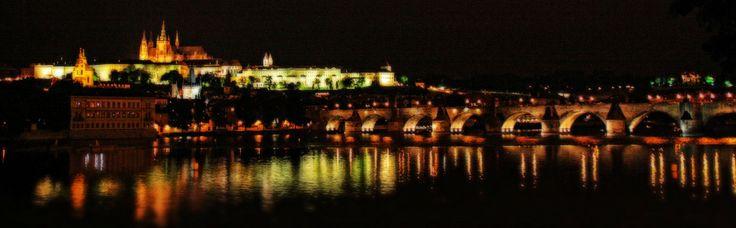 Prager Karlsbrücke und der Hradschin