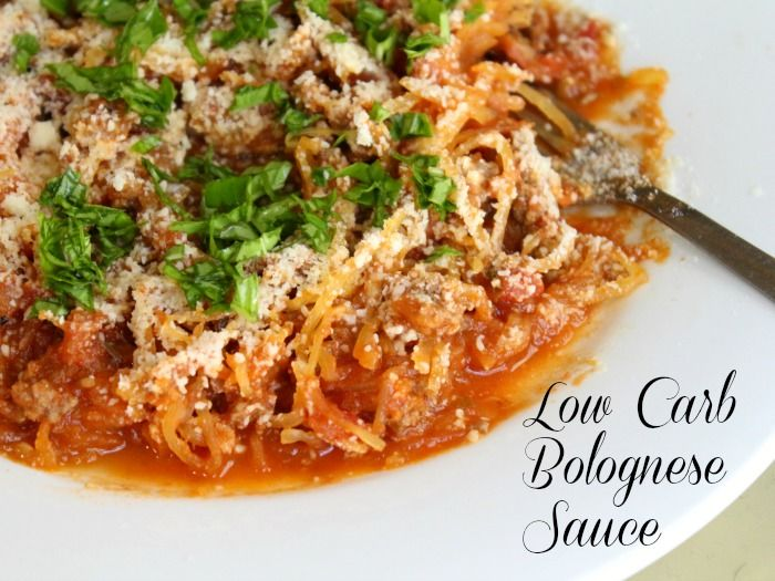 low carb Bolognese sauce recipe that will quell those cravings for Italian. Rich and meaty - this is the real deal! |lowcarb-ology.com