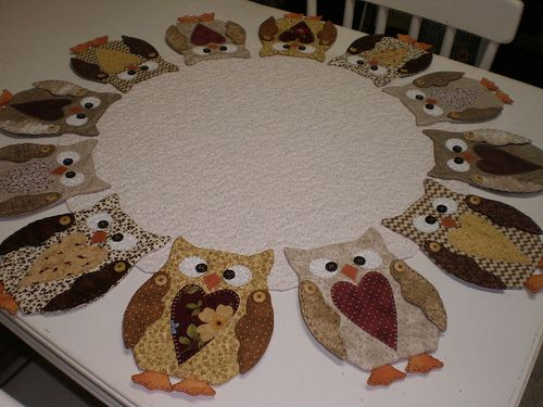 Toalha com aplicação de corujas.: Patchwork, Application, Owls, For, Owl, Table, Photo, Towel