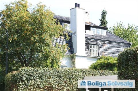Olgasvej 22, 1., 2950 Vedbæk - Villalejlighed i 2 plan i patriciervilla i Vedbæk #vedbæk #villalejlighed #boligsalg #selvsalg