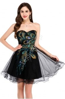Czarna sukienka z pawimi piórami   sukienki tiulowe