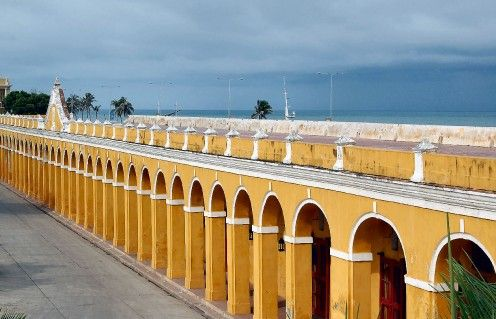 Muralla by the Caribbean