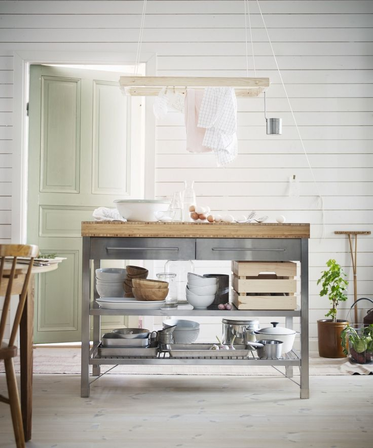 De nieuwe werkbank voor de keuken van roestvrij staal en bamboe - Rimforsa werbank van Ikea