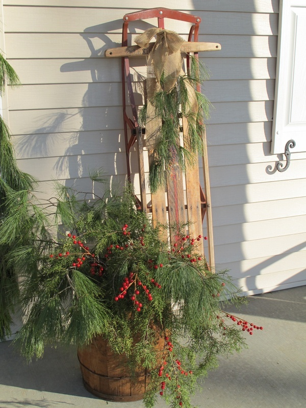 1000 images about antique sled decorating on pinterest for Antique sled christmas decoration