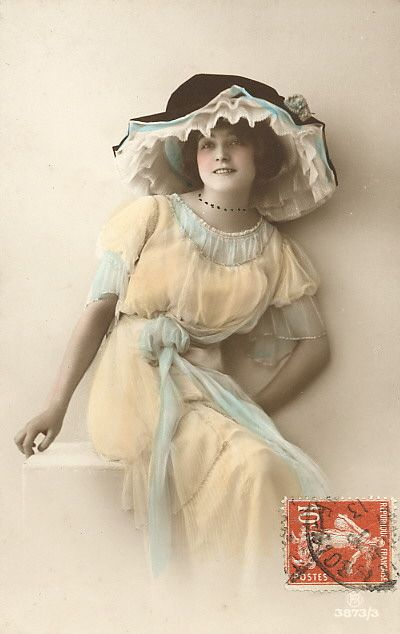 Beautiful Victorian woman ~ love the pale yellow & blue