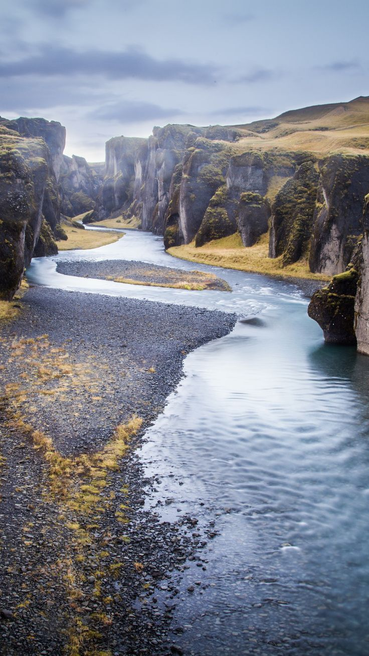 Fjadrargljufur Canyon, Kirkjubaejarklaustur – By Andrés Nieto Porras [CC BY-SA 2.0] via Flickr - 20 Photos that prove Iceland is the land of Ice and Fire.