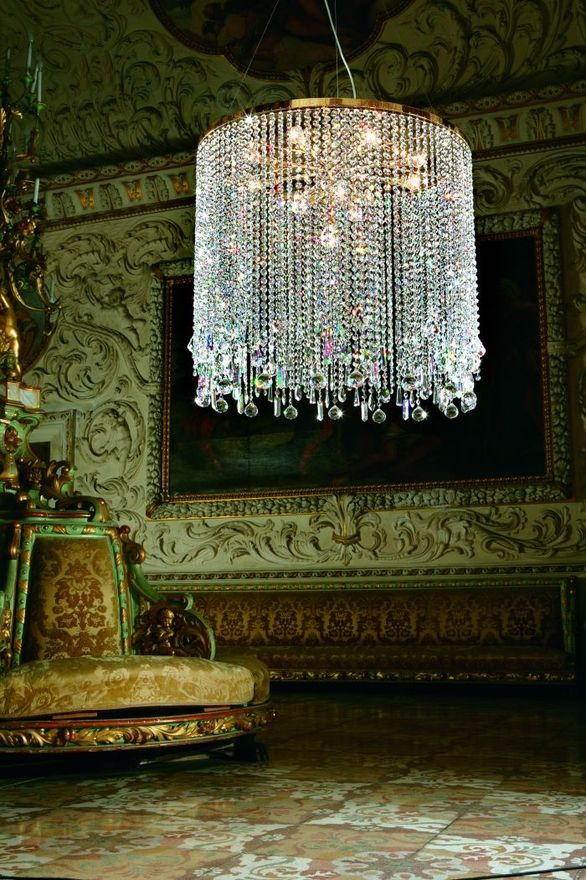 527 best Chandeliers images on Pinterest | Crystal chandeliers ...
