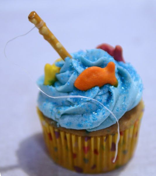 From the Fence Post: Fishing Cupcakes for Dad!: Summer Cupcakes, Birthday Parties, Fish Parties, Father Day, Father'S Day, Parties Ideas, Fish Cupcakes, Fishing Cupcakes, Parties Cupcakes