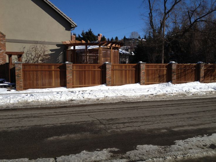Beautiful Fence and Privacy Screen.   Supplied by Kayu Canada Inc.