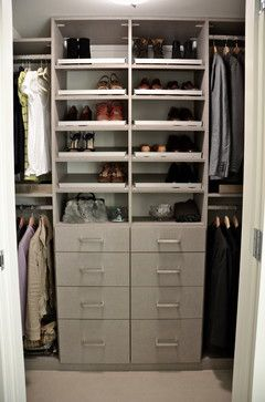 how to organize a small closet | HOW TO ORGANIZE A SMALL WALK IN CLOSET
