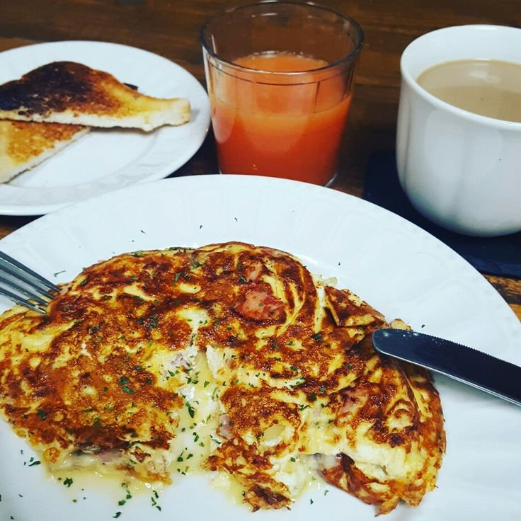 Cheese and ham omelette breakfast delish recipes