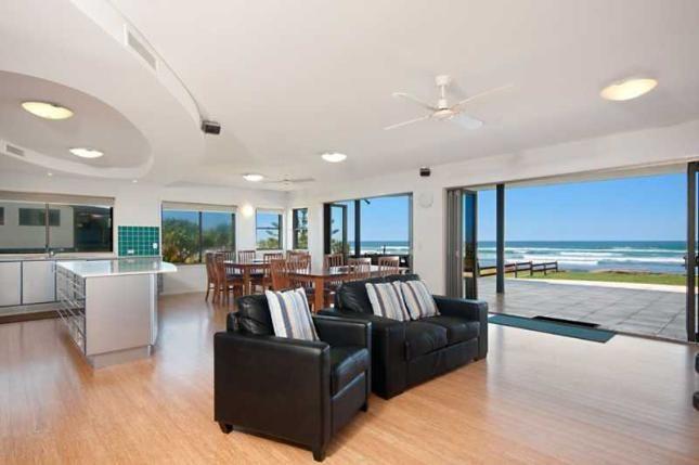 Lennox on the Beach, Unit 1, a Lennox Head House | Stayz
