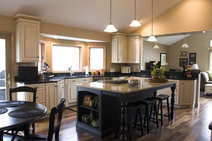 Dark Island with cream cabinets ! LOVE