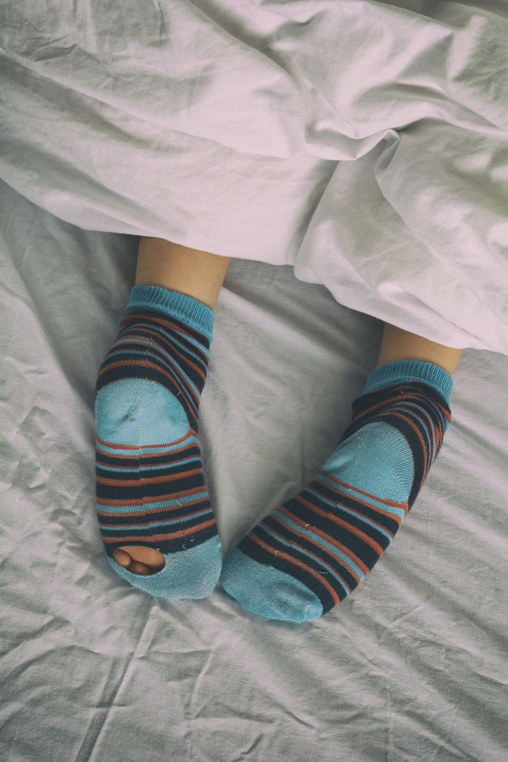 https://flic.kr/p/v2LhYh | Bed socks | Boy struggled to get up this morning.
