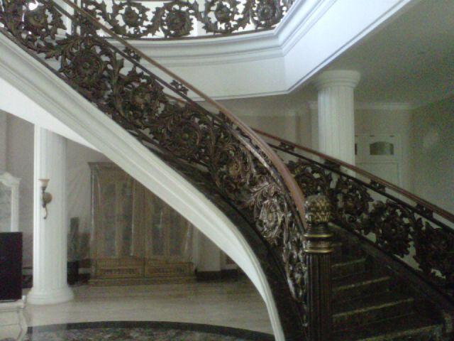 supplier,spesialis,pintu,pagar,balkon,tralis,railing,tangga,besi,besi tempa,design,klasik,ornamen,ornamen alferrom,dzakyjaya