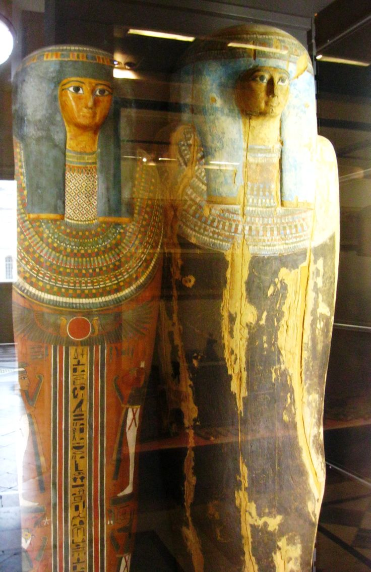mummification in ancient egypt essay The practice of mummifying the dead began in ancient egypt c 3500 bce the english word mummy comes from the latin mumia which is derived from the persian mum meaning 'wax' and refers to an embalmed.