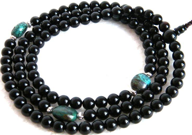 Fekete onyx ásvány és tibeti türkiz kő - elbűvölő kombinációk valódi féldrágakövekből webáruházunkban itt: http://www.tibetan-shop-tharjay-norbu-zangpo.hu/mala/feldragako_mala_71/108_szemes_93