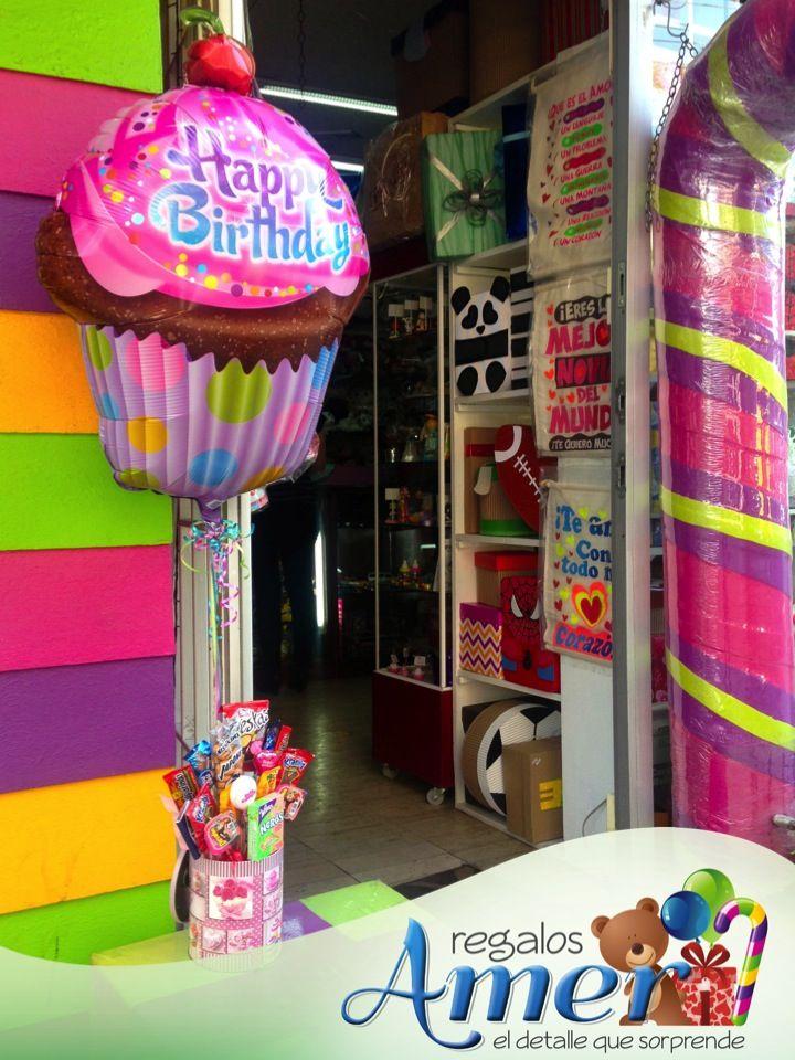 #globo de cumpleaños en forma de #pancake y base especiero #decorada con pancakes #chocolates y #dulces. #regalos Amer, 5524 6977 www.regalosamer.com.mx