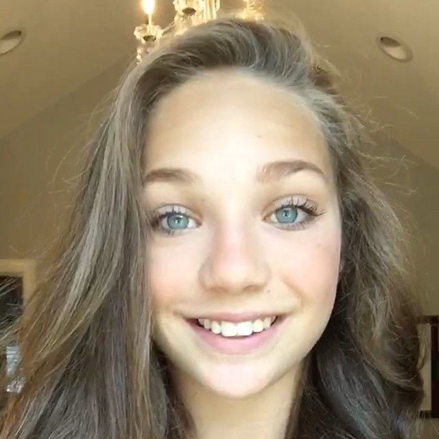 """Maddie on instagram""""Wanted to send a special thank you to everyone who has voted for me as your @teenchoicefox #ChoiceDancer! Your sweet messages and edits have been so overwhelming!  vote.teenchoice.com"""" Pinned by ♡DM Fandom♡"""