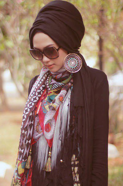 trendy girls wear hijab with glasses (7)
