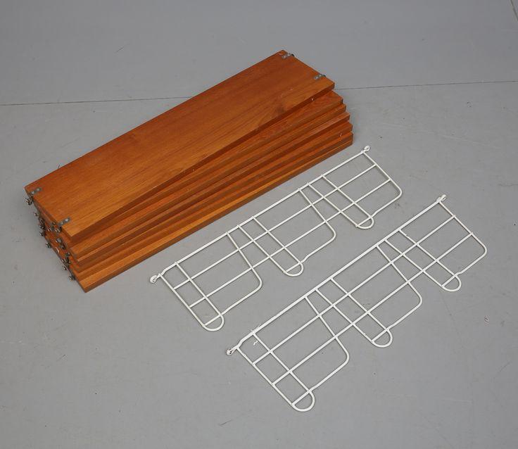 VÄGGHYLLOR, stringmodell, 1900-talets mitt.
