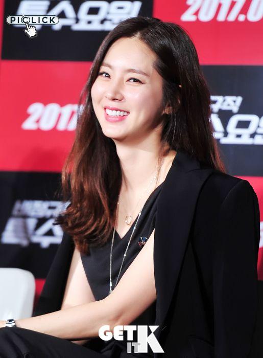 13日上午, 在首尔建大乐天影院举行了电影《临时特工》的制作发布会, 主演 姜艺媛,韩彩雅,趙在允,金民教,东 …