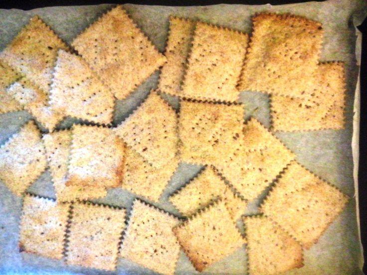 Questi crackers sono ideali come sostitutivi del pane, ottimi come snack o da gustare in qualsiasi momento della giornata. Leggeri poiché privi di lievito esalutari,contengono infatti, numerosi …