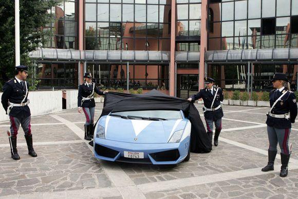 Italian police car: Lamborghini Gallardo!