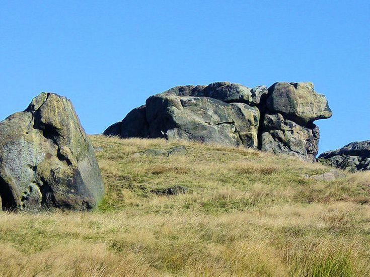 Little Alms Cliff