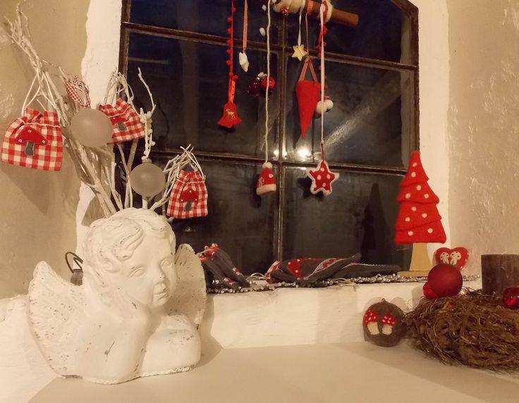 Weihnachtsfenster dekorieren