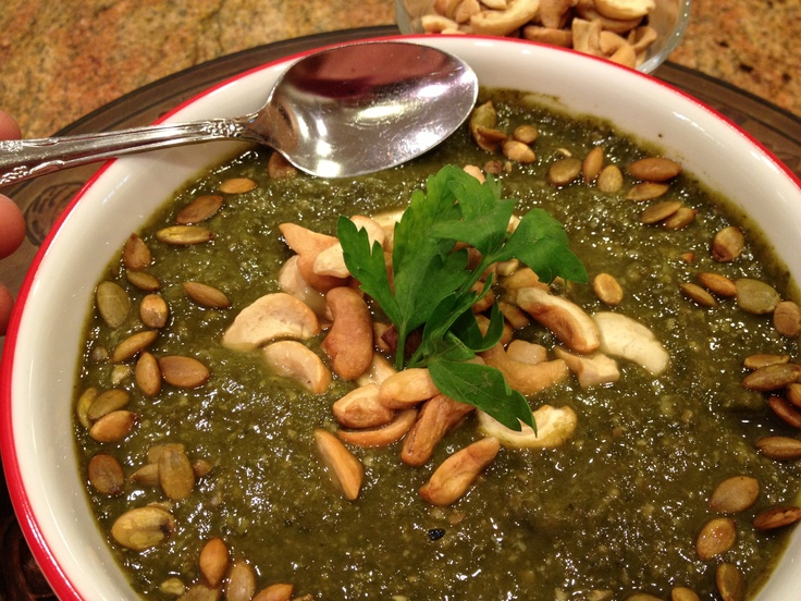 Vegan Cream of Spinach Soup with Cashews