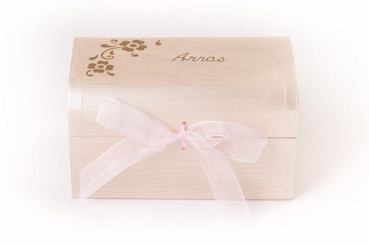 #Cajas #anillos y #arras #Boda Inés y Antonio, pintadas a mano. www.lolagranado.com