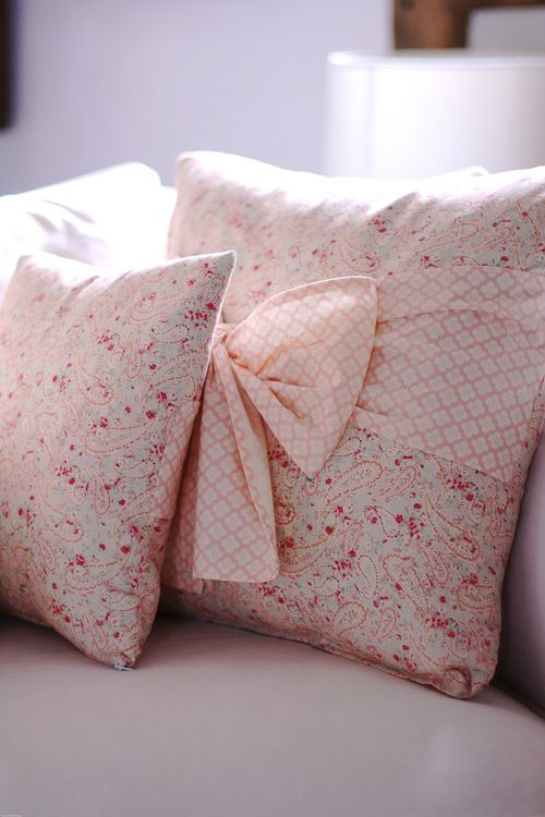 pictureperfectforyou: Paisley Springtime Cushions - Cherry Menlove (door www.cherrymenlove.com)