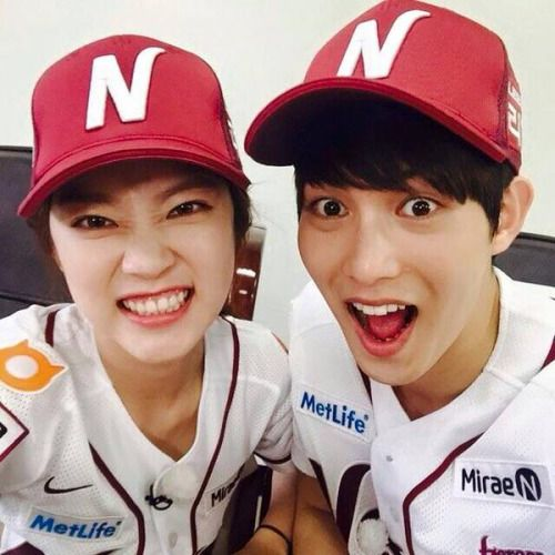 Lee JongHyun & Gong Seungyeon from Nexen Heroes Facebook. They will throw and hit for Baseball game opening today.
