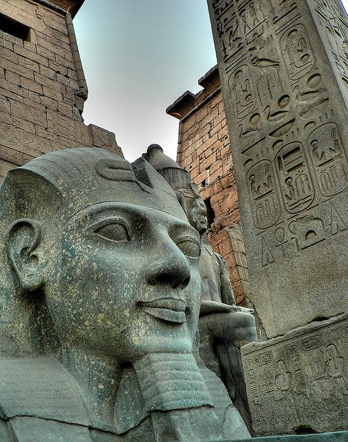 世界遺産 ルクソール神殿 古代都市テーベとその墓地遺跡の絶景写真画像  エジプト