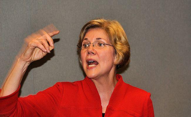 Elizabeth Warren Wants Investigation Over Lack of Wall Street Prosecutions